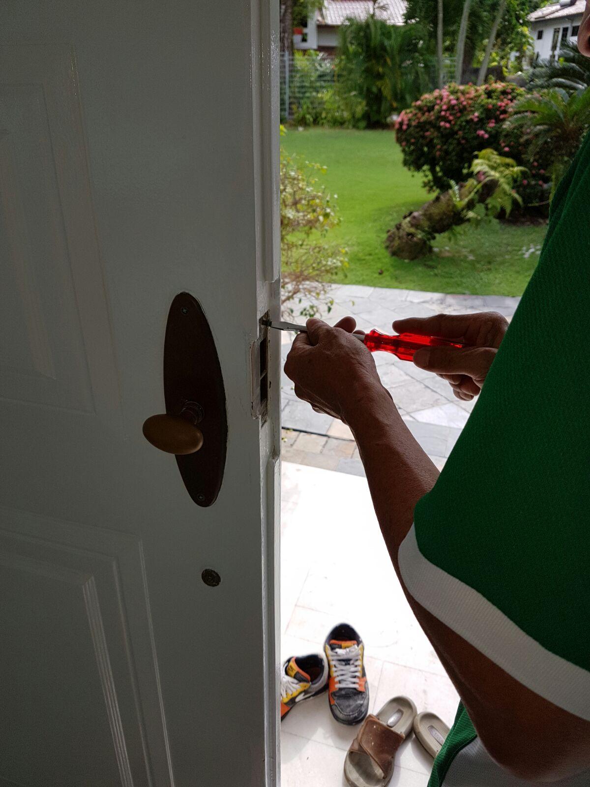 Fix Door Knob Singapore